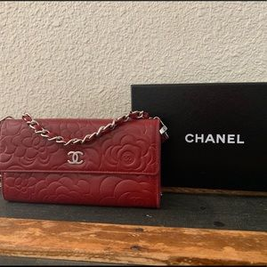 AUTHENTIC CHANEL Customized Wallet on a Chain